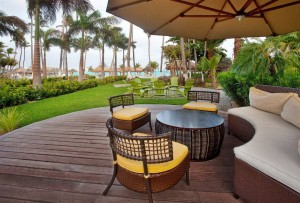 holiday-inn-resort-aruba-courtyard-2-1.jpg.1024x0